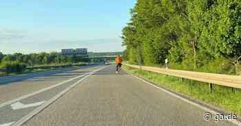 A565: Radfahrer bei Meckenheim auf der Autobahn unterwegs - General-Anzeiger Bonn