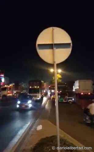 Se presentan bloqueos en la calle 30 y Malambo - Diario La Libertad