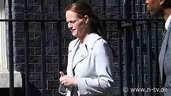 Premier litt an Covid-19: Boris Johnsons Krankenschwester kündigt - n-tv NACHRICHTEN