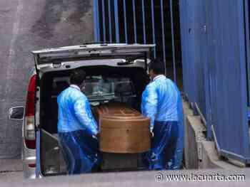 Conmoción en San Felipe: familia sepultó cuerpo equivocado tras error de hospital - La Cuarta