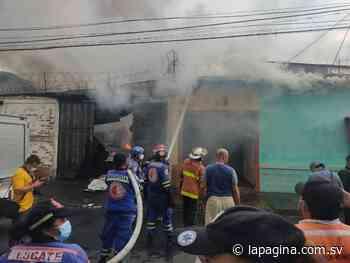 Se incendia bodega de plástico en el barrio San Felipe, de San Miguel - Diario La Página