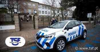 PSP apreendeu milhares de ″bombinhas″ à venda junto a escola em Guimarães - TSF Online
