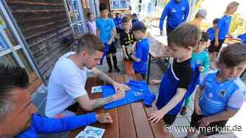Daniel Wein: TSV 1860-Spieler besucht Feriencamp des SV Planegg-Krailing - Merkur Online