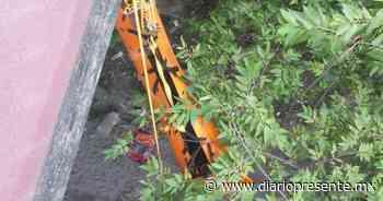 Cruz Roja rescata a sujeto que cayó en un puente de Teapa - Diario Presente