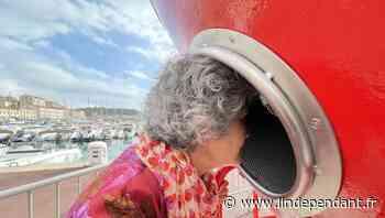 Pyrénées-Orientales - Insolite à Port-Vendres : placer sa tête dans une balise géante, pour écouter la mer - L'Indépendant