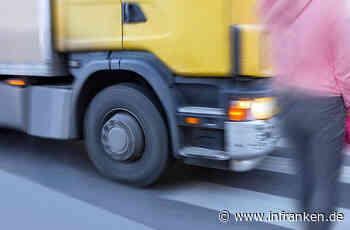 Burgebrach: Fußgängerin auf B22 von Lkw-Ladung erfasst - schwer verletzt gegen Auto geschleudert - inFranken.de