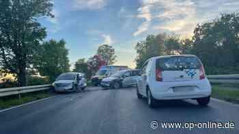 Unfall in Maintal: Zwei Schwerverletzte bei Frontalzusammenstoß - Drei Kinder im Krankenhaus - op-online.de