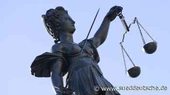 33-Jähriger wegen Missbrauchs eines Jugendlichen angeklagt - Süddeutsche Zeitung
