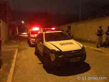 Homem é assassinado dentro de casa em Governador Valadares - G1