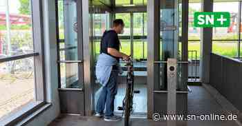 Stadthagen: Die neuen Aufzüge im Bahnhof sind nach einem Jahr Wartezeit fertig - Schaumburger Nachrichten