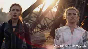 Black Widow, all'inseguimento di Scarlett Johansson e Florence Pugh in un video dal film - Everyeye Cinema