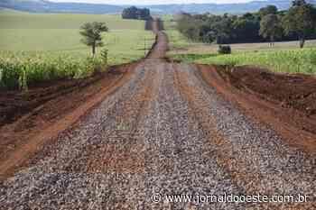 Melhorias em estradas rurais não param em Assis Chateaubriand – Jornal do Oeste - Jornal do Oeste