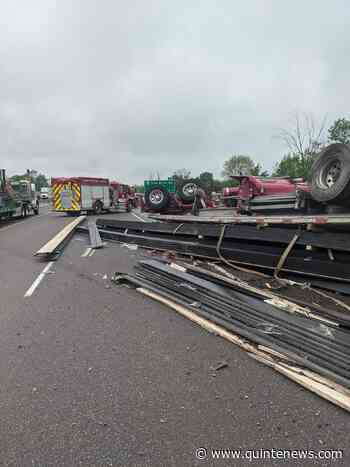 Back to Tractor trailer rollover in Quinte West - Quinte News