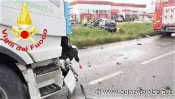 Scontro tra camion e auto, muore una donna - Qui News Valdera
