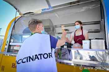 Gratis ijsjes voor vrijwilligers vaccinatiedorp Spoor Oost: ... (Borgerhout) - Gazet van Antwerpen