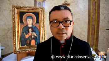VÍDEO: Bispo da Diocese de Cajazeiras reage com 'perplexidade' ao novo decreto emitido por Zé Aldemir - Diário do Sertão