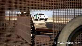 """Desgarrador: Niño grita """"¡No te vayas!"""" al ser abandonado en la frontera EEUU - México - MDZ Online"""