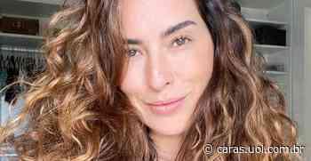 De máscara, Fernanda Paes Leme posa no elevador e recebe chuva de elogios - CARAS Brasil