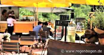 Breisach: Weinterrasse ist wieder geöffnet - Regenbogen