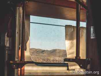 À travers la vitre - Novastan
