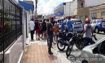 Homem é assassinado a tiros dentro de casa no Siqueira Campos - Infonet