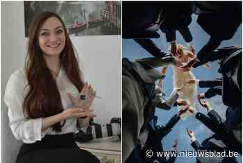 """Raïs (26) wint als eerste landgenote prestigieuze prijs, en ze doet dat met drones en rookbommen: """"Als het moet, ga ik er met mijn knieën voor door het slijk"""" - Het Nieuwsblad"""