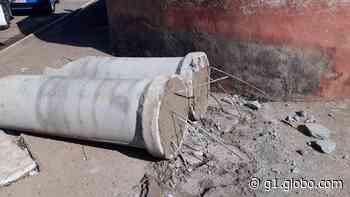 Barreira colocada por criminosos no bairro Baixada da Olaria, em Resende, é retirada pela PM - G1