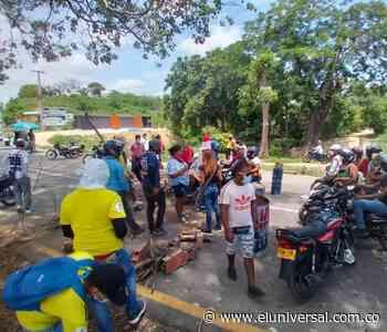 Estudiantes de Turbaco bloquean la Troncal de Occidente   EL UNIVERSAL - Cartagena - El Universal - Colombia