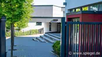 Schwerverletzte an Schule in Finnentrop: Streit in der Pause – und ein Schüler zieht ein Messer - DER SPIEGEL