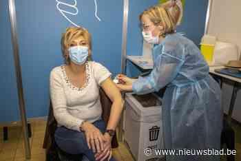 KAART. Kijk hier hoever jouw gemeente staat met vaccineren: in Wetteren zijn de 37-jarigen uitgenodigd, in Nazareth de 49-jarigen