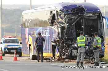 Colisão entre ônibus e caminhão deixa vários feridos em Senador Canedo - O Popular