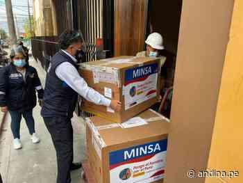 Ayacucho celebra arribo de lote con más de 65000 dosis de vacuna contra la covid-19 - Agencia Andina