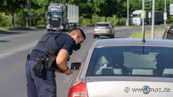 Polizei Kontrolle: 68 Rotlichtverstöße bei Großkontrolle in Schwedt geahndet - moz.de