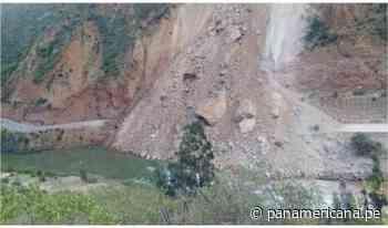 Tramo de vía que comunica a Junín, Huancavelica y Ayacucho quedó bloqueada tras deslizamiento - Panamericana Televisión
