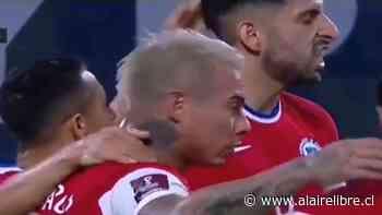 """La """"paipa"""" que Alexis Sánchez le dio a Guillermo Maripán durante el duelo con Argentina - AlAireLibre.cl"""
