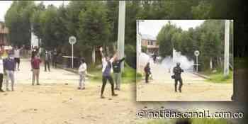 Video: en presencia del alcalde, Esmad ataca manifestantes en Gachancipá - Canal 1