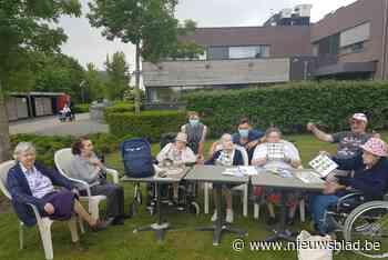 Speciale rugzakken brengen de geuren van de natuur tot bij mensen met dementie - Het Nieuwsblad