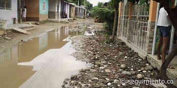 Barrios de Riofrío sumergidos en aguas negras por no culminación del alcantarillado - Seguimiento.co