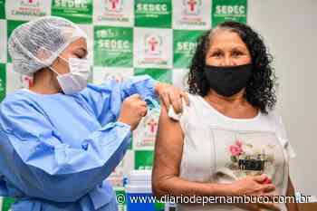 Camaragibe realiza mutirão para vacinar pessoas a partir dos 50 anos neste sábado - Diário de Pernambuco