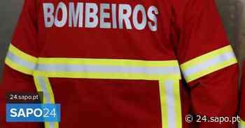 Dois feridos por inalação de fumos em incêndio urbano em Almada - SAPO 24