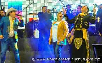 Cantan chihuahuenses con Julión Álvarez en El Palomar - El Heraldo de Chihuahua