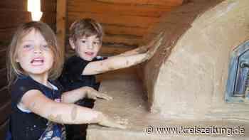 """Kinder bauen mit am Lehmbackofen für Linderner Kita """"Lindenblüte"""" - kreiszeitung.de"""