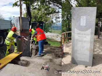 Canossa e Villa Minozzo: una grande stele arenacea e un nuovo ponte sulla Via Matildica del Volto Santo - Bologna 2000