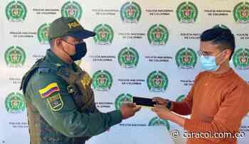 Policía recuperó celular y está tras la pista de atracadores en Magangué - Caracol Radio