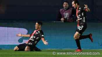 Colón golea a Racing; gana Copa de Liga en Argentina - El Nuevo Herald