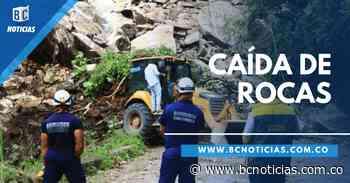 Caída de rocas ocasiona cierre de vía de Manzanares - BC Noticias