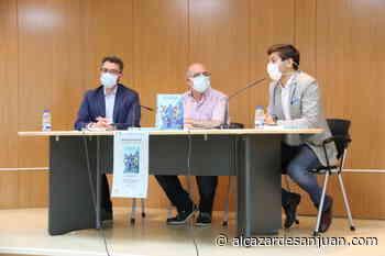 Presentaron el libro de Julio Jareño 'El fútbol en Manzanares' - Alcázar de San Juan