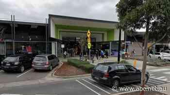 Craigieburn shopping centre, Melbourne CBD office building, Docklands supermarket added to COVID-19 exposure sites list - ABC News