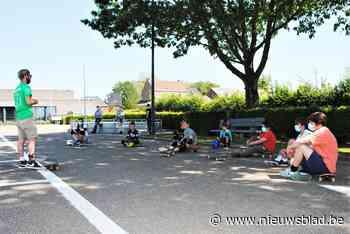 Jongeren nemen deel aan initiatie skaten (Kortenaken) - Het Nieuwsblad