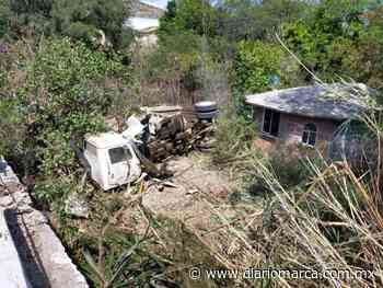 Camión de volteo del municipio de San Jerónimo Silacayoapilla sufre accidente - Diario Marca de Oaxaca